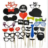 Набор предметов для фотосесии: усы, очки, шляпы, маски 31 предмет