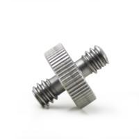 Металлический адаптер-переходник с резьбами 1/4 дюйма и 1/4 дюйма.